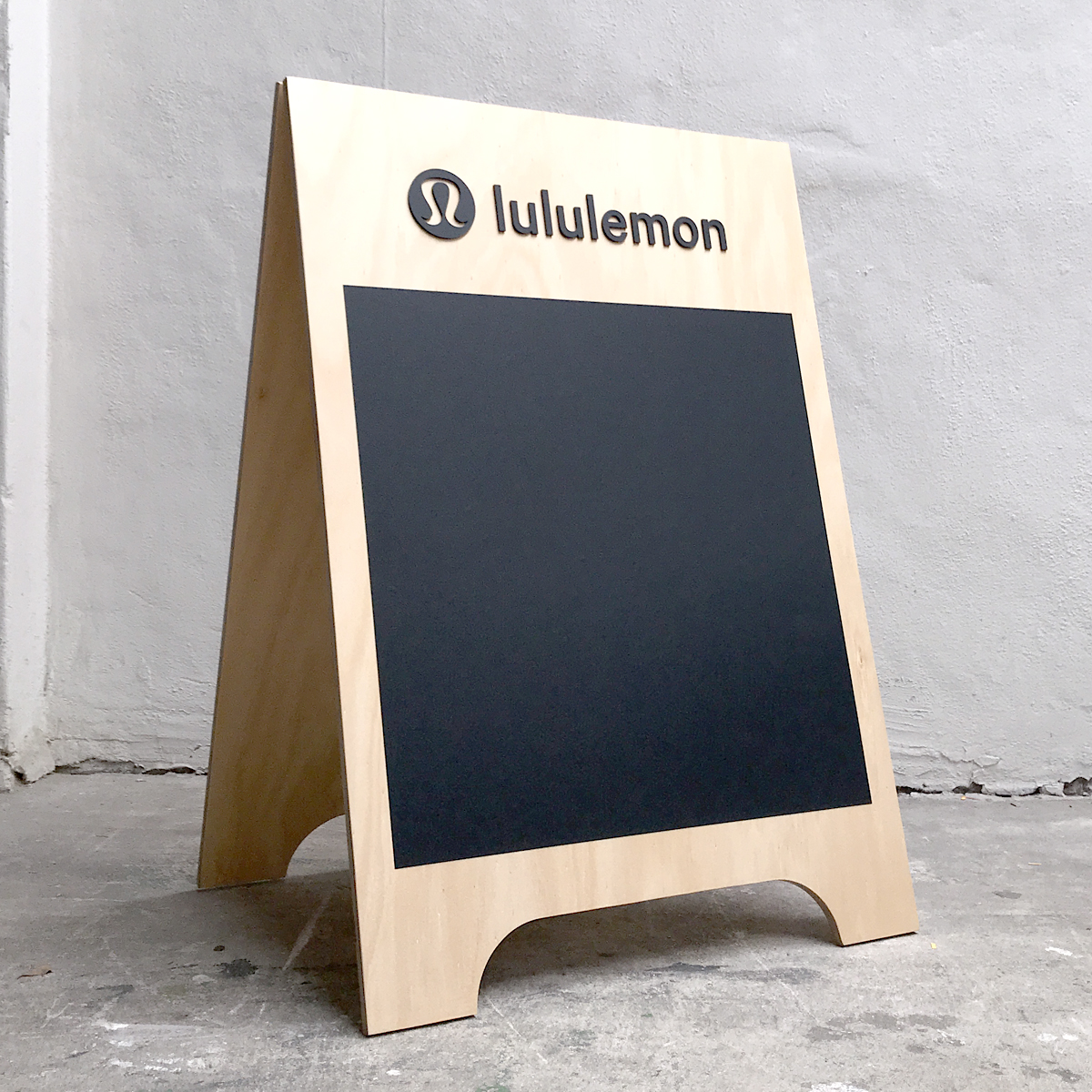 https://thelaserco.com/wp-content/uploads/2020/07/27_Wooden-event-A-frame-sign-plywood.jpg