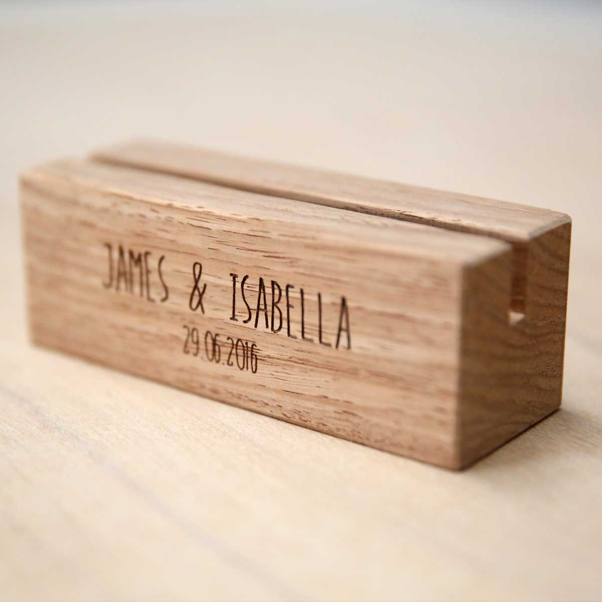 https://thelaserco.com/wp-content/uploads/2020/07/Wedding-timber-menu-holders.jpg